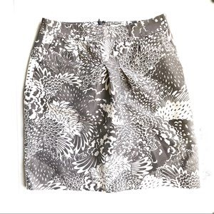 Halogen Taupe White Printed Pencil Skirt Size 6